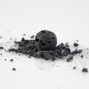 Czarna lawa wulkaniczna