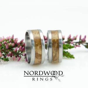 Tytan i drewno vavony (sekwoja amerykańska)